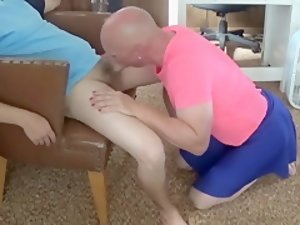Gay Sissy Mike Karacson sucks cock gives blowjob crossdressing
